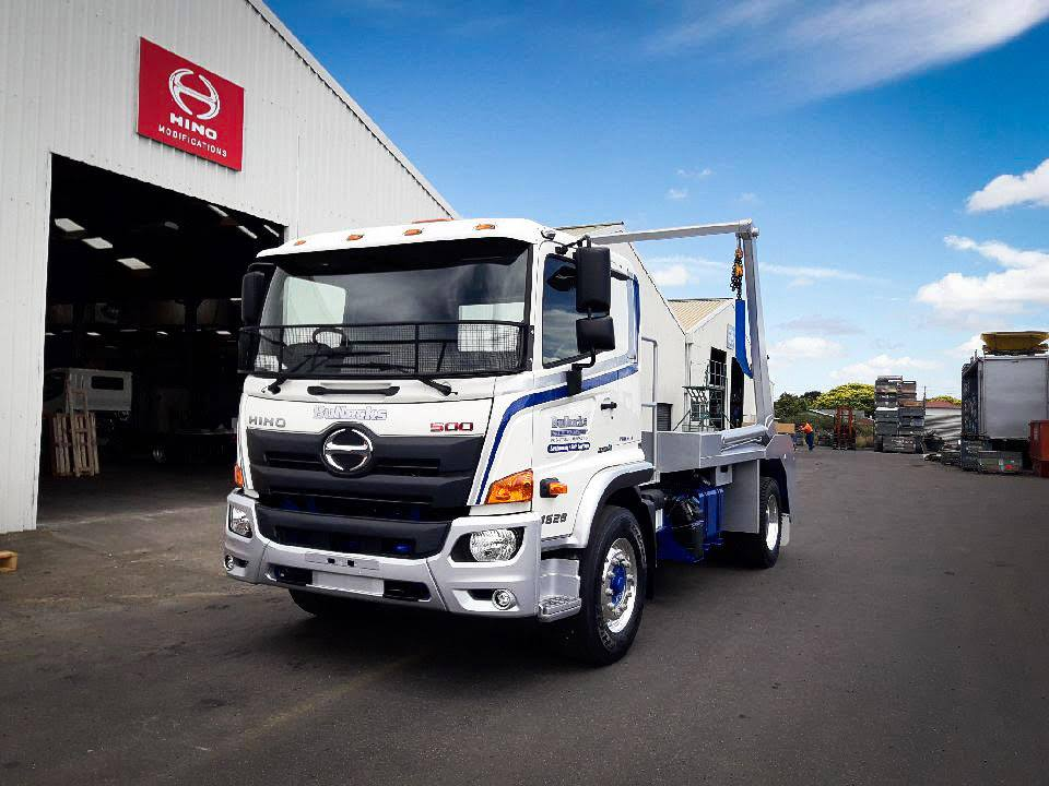 Bullocks Contracting - 500 Series Wide Cab 280 hp 6 Speed Auto