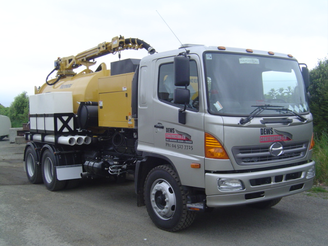 Dews Construction - 500 Series 6x4