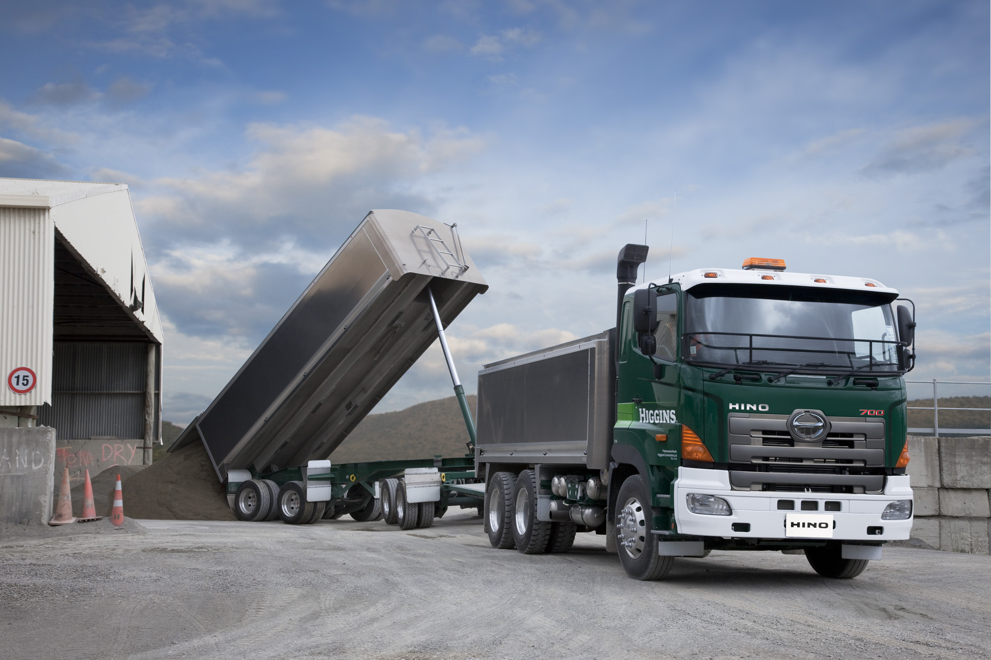 Higgins Contractors - 700 Series Tipper