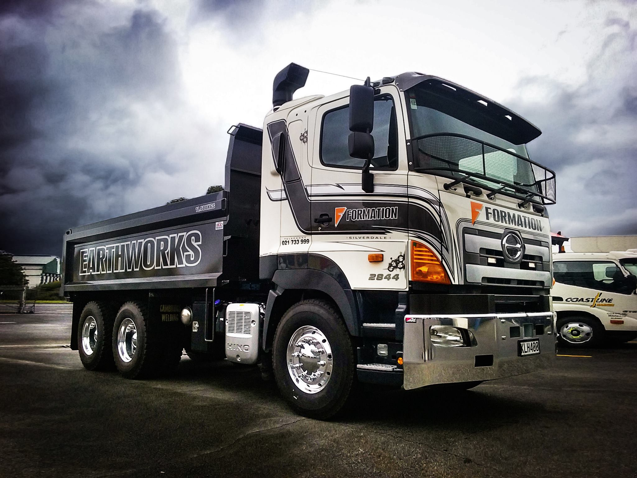 Formation Earthworks - 700 Series FS 6x4 440hp Tipper