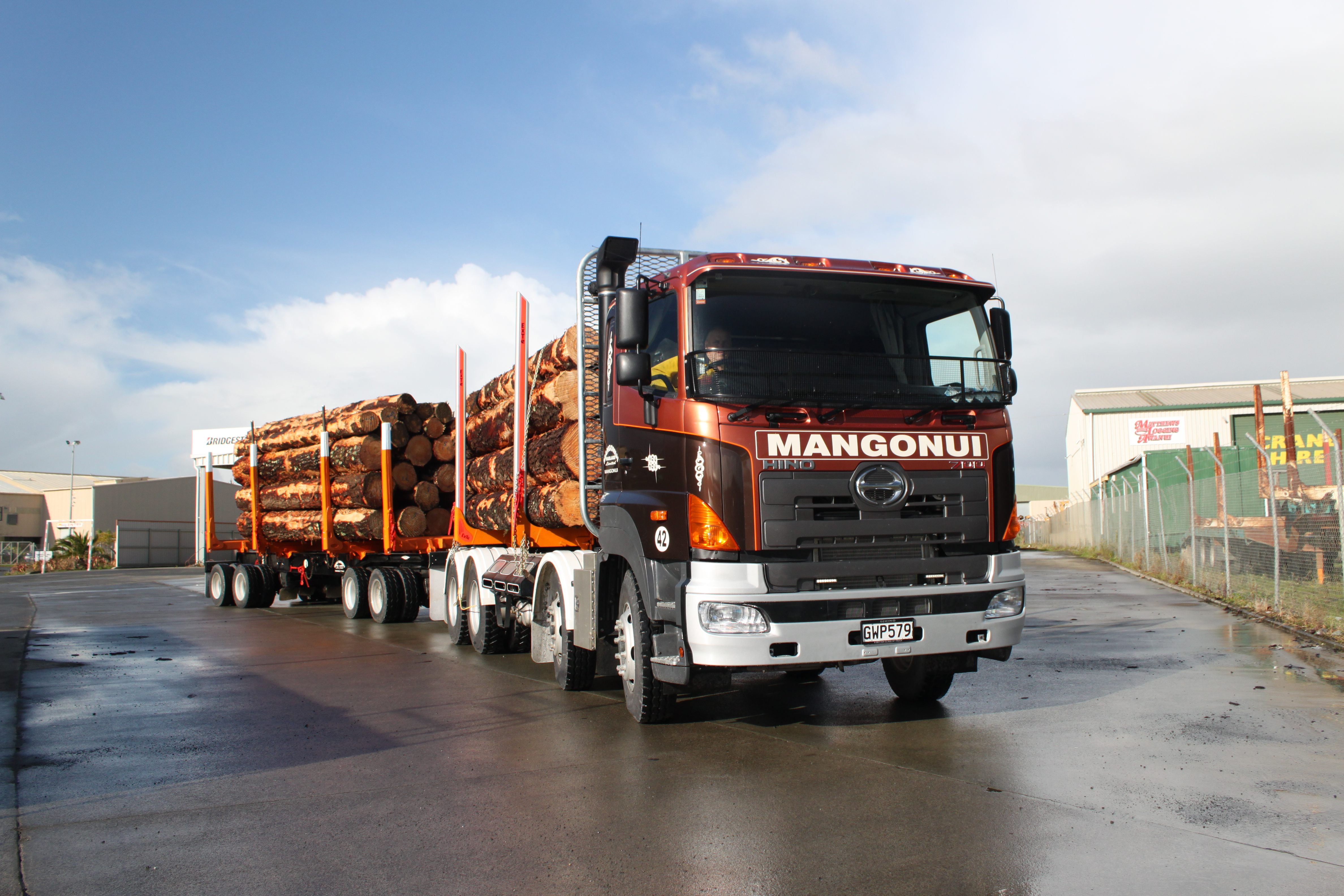 Mangonui Haulage Ltd - 700 Series FY1 8x4 6-Rod 450hp