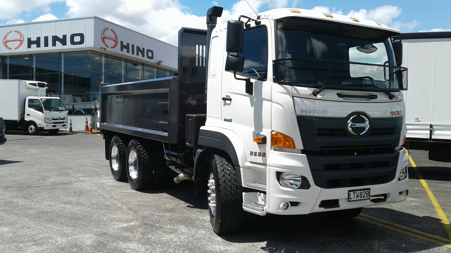 ARC - 500 Series Wide Cab Tipper