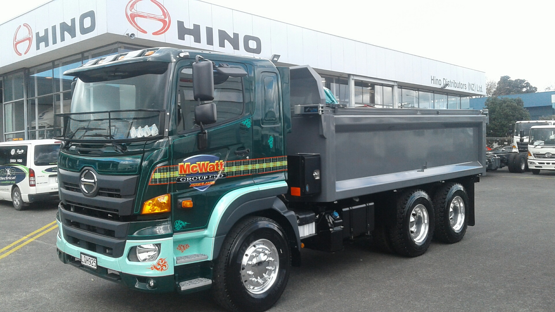 McWatt Cartage - 500 Series Wide Cab Tipper