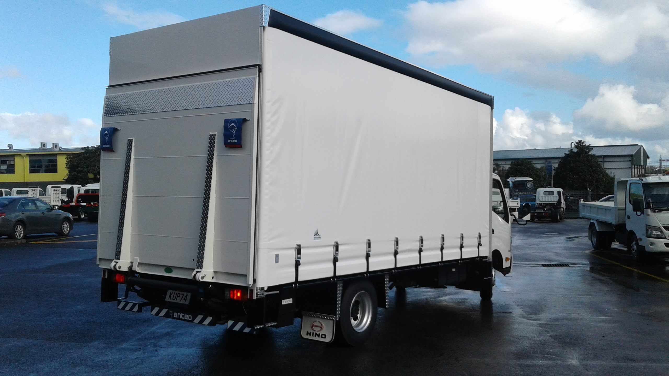Feng Ling - 300 Series 917 - Curtainsider